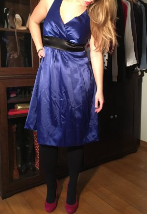 Cocktailkleid in Nachtblau