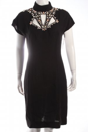Vestido de cóctel negro elegante