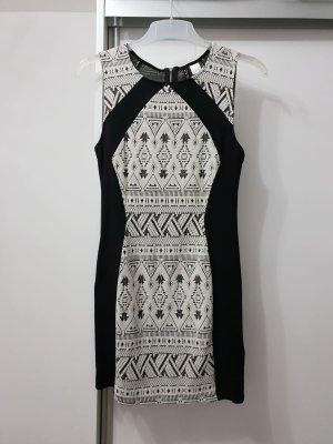 Vestido de cóctel blanco-negro