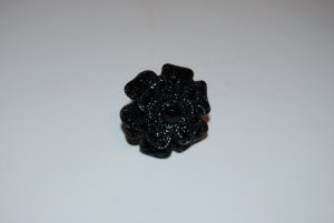 Cocktailring in schwarz - Blume mit schwarzen Schmucksteinen