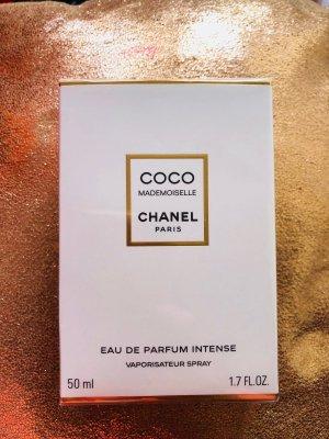 Chanel Breloque doré-blanc