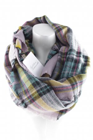 Codello Fringed Scarf check pattern casual look