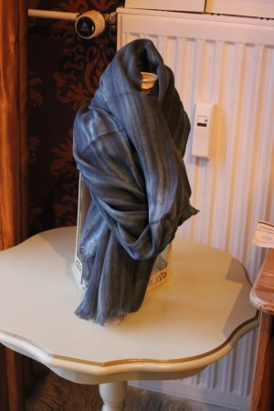 Codello Fringed Scarf grey violet viscose