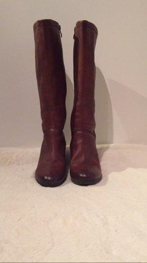 Cognacfarbene Stiefel von Caprice
