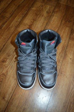 Cole stylische Nike Köchel Schuhe/Sneaker Top