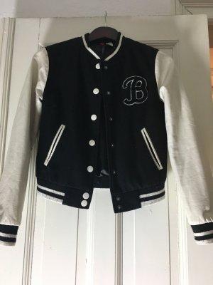 College style Jacke in schwarz weiß