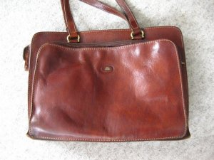 The Bridge Carry Bag bronze-colored leather