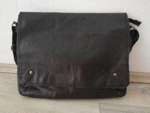 Collegetasche aus Echtleder in schwarz