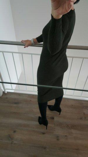Colles Strickkleid in Midilänge von Zara