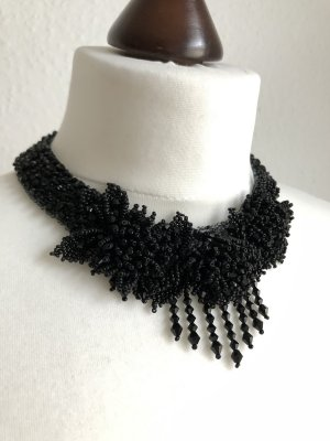 Collar estilo collier negro