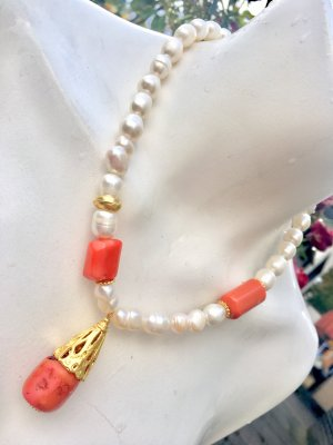 Collier Barock Perle Anhänger Koralle