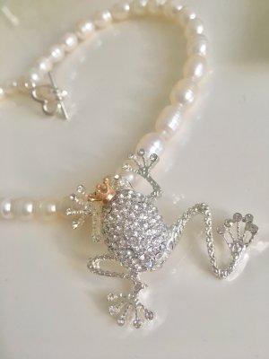 Collier Barock Perlen 9-10mm Anhänger Frosch Krone Herz Verschluss