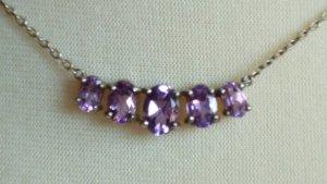 Colliers ras du cou argenté-violet argent