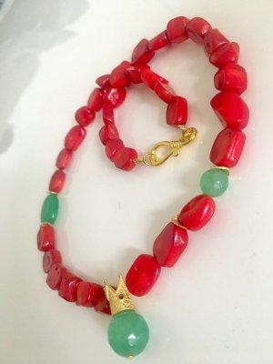 Collier Koralle Jade Anhänger Krone