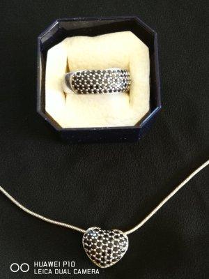 Collier mit Herzanhänger Schlangenkette und  Ring
