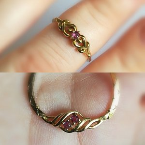 Collier und Ring Gold 333 mit rötlichen Steinen
