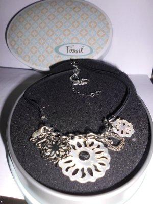collier von fossil--superschön---trendy---leicht und angenehm zu tragen.TOP