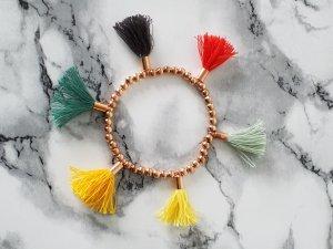COLORBomb rosegoldenes Perlen Armband mit sechs kunterbunten Quasten