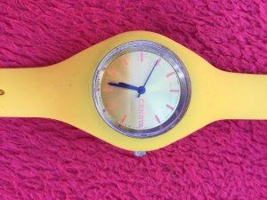 Analog Watch yellow