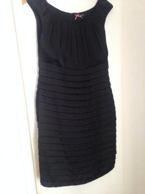 Comma Kleid 40 Etuikleid neuwertig