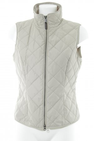 Comma Quilted Gilet oatmeal quilting pattern athletic style