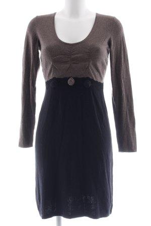 Comma Robe en maille tricotées marron clair-noir style décontracté
