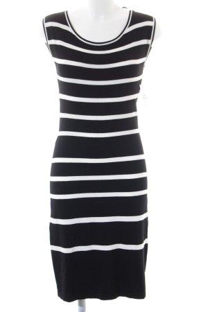 Comma Strickkleid schwarz-wollweiß Streifenmuster Street-Fashion-Look
