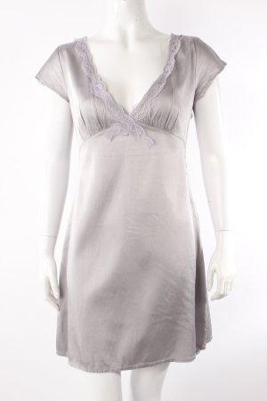 Conley's Kleid blasslila