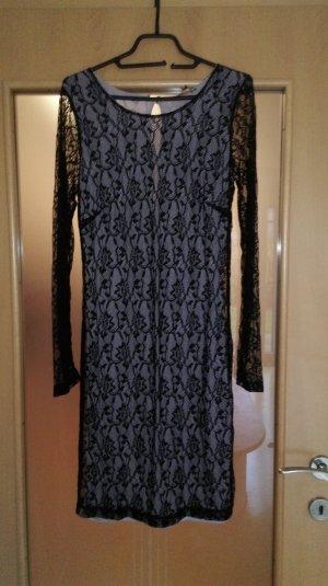Conleys Kleid aus toller Spitze