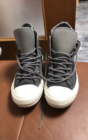 Converse Lace-Up Sneaker grey leather
