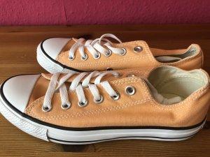 Converse All Star apricotfarbene Chucks