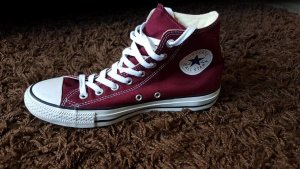 Converse All Stars in Dunkelrot
