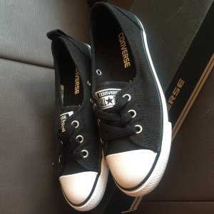 Converse Mary Janes black