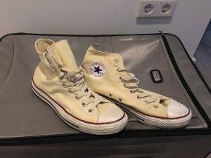Converse Chucks in beige