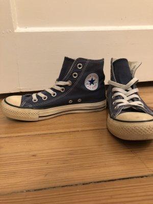Converse Chucks in dunkelblau