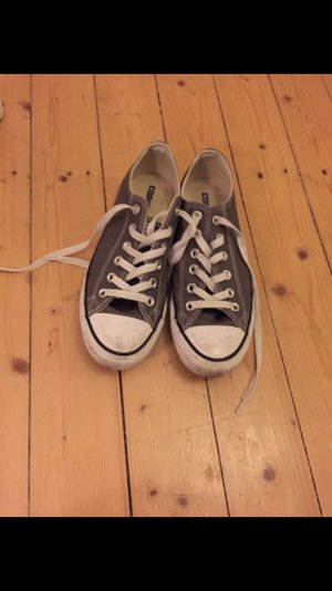 Converse Chucks in grau