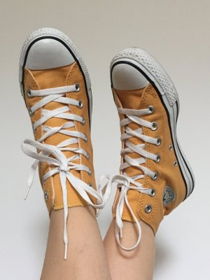 Converse Chucks in Maisgelb