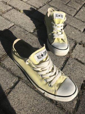 Converse Gr 38, gelb, KP 69€