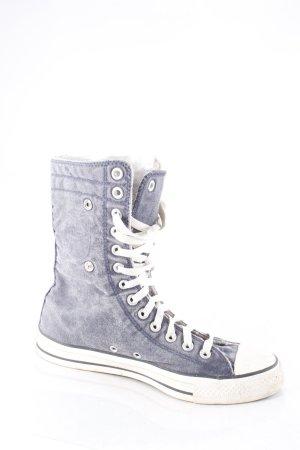Converse High Top Sneaker kornblumenblau Street-Fashion-Look