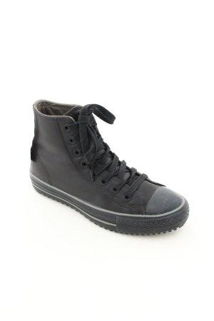 Converse High Top Sneaker schwarz Street-Fashion-Look