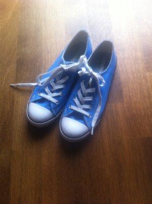 Converse in blau, Gr. 40