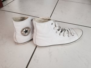 Converse in komplett weißem Leder