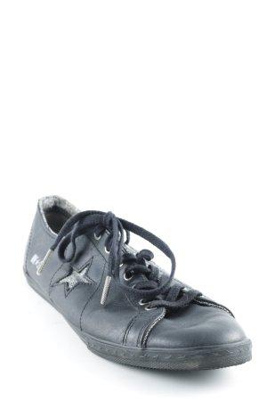 Converse Schnürsneaker schwarz-silberfarben sportlicher Stil