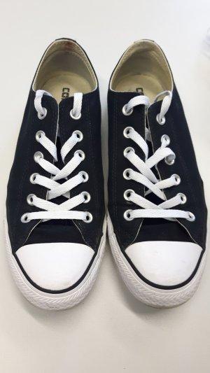 Converse schwarz-weiß