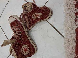 Converse shoes.......