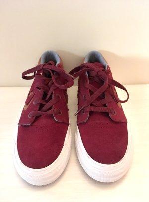 Converse sneaker / burgundy red / skate sneakers in der Größe 37 NEU