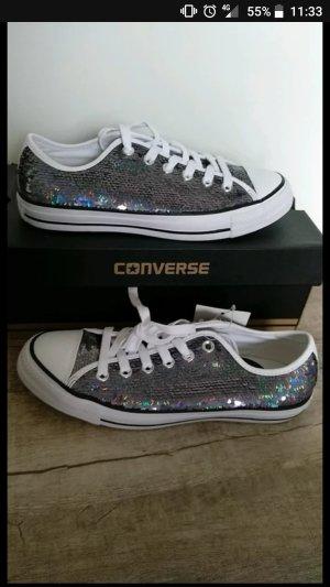 Converse Sneaker Chucks Gr 39,5 neuwertig mit Etikett