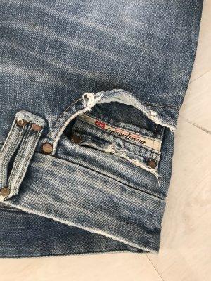 Cool Boyfriend Type Diesel Denim Jeans