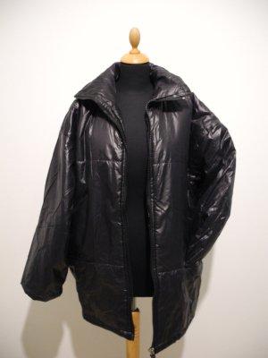 Cool lässig onesize oversize Jacke Mantel black topcoat matt glänzend glanz shiny leicht warm kuschelig