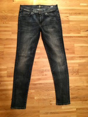 "Coole ""7 For All Mankind"" Jeans, Slim Fit, Dunkelblau (38) mit Pailettendetails"